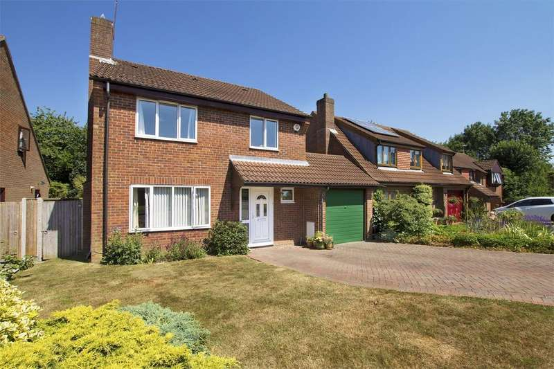 4 Bedrooms Detached House for sale in Furzehall Avenue, Fareham, Hampshire