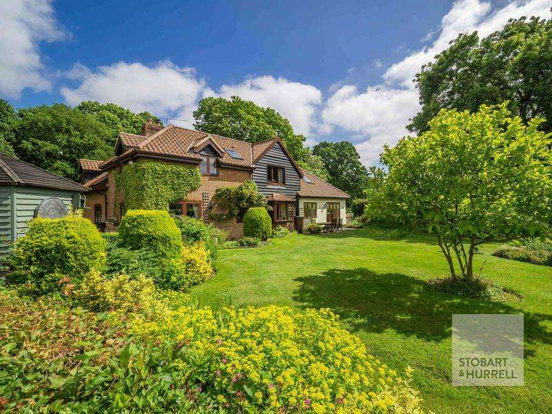 6 Bedrooms Cottage House for sale in Woodside Cottage, Beeston Lane, Norwich, NR13 6ND