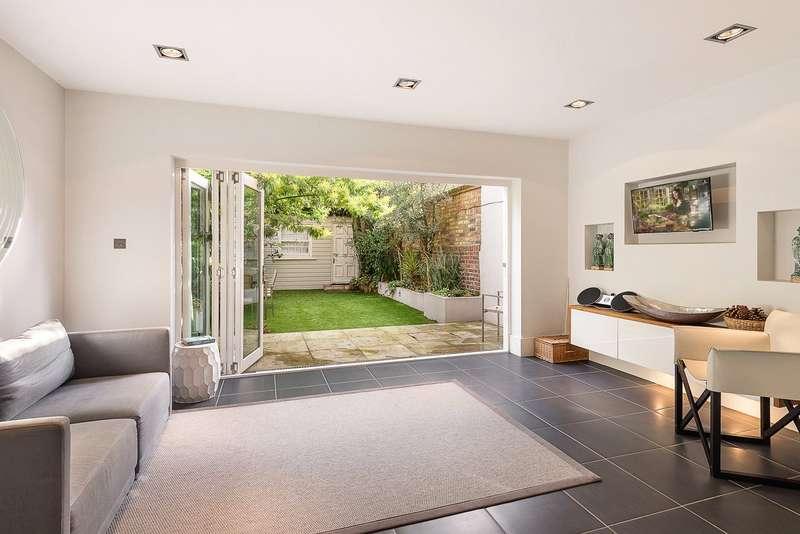 4 Bedrooms Maisonette Flat for sale in Ebury Street, Belgravia, London, SW1W