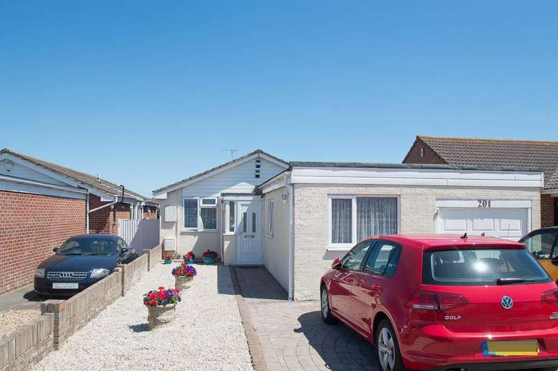 4 Bedrooms Detached Bungalow for sale in Princes Road, Eastbourne