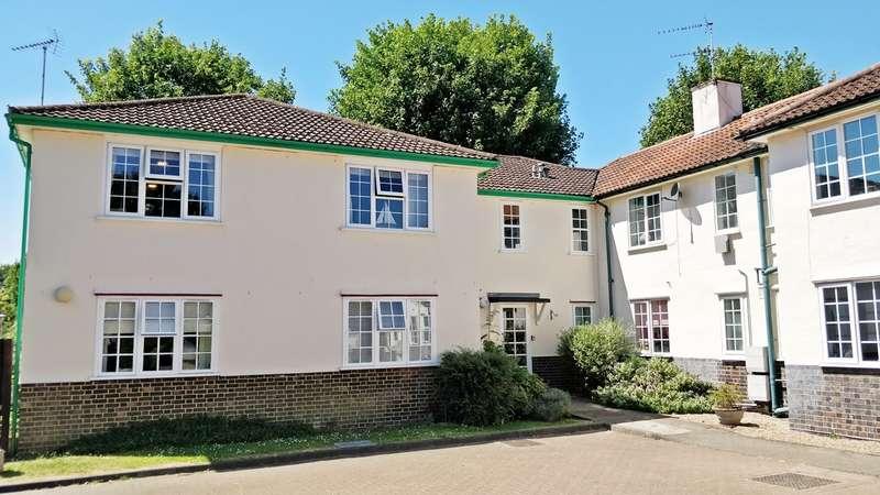 1 Bedroom Flat for sale in Guessens Court, Welwyn Garden City, AL8