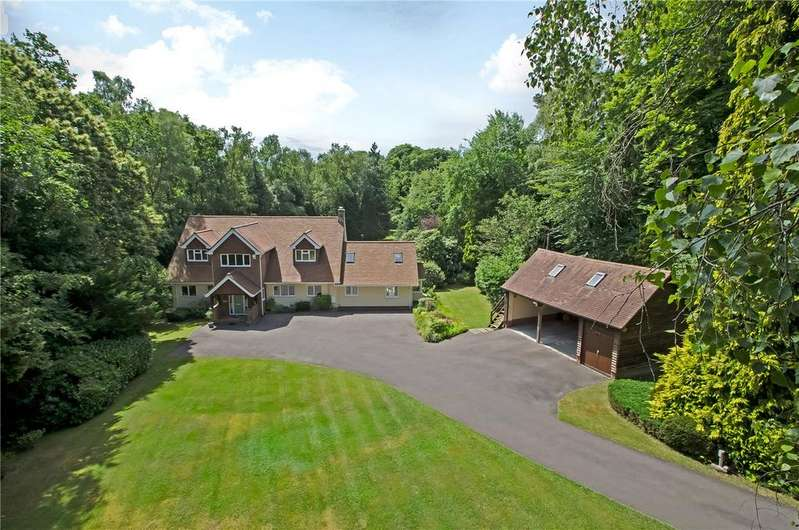 4 Bedrooms Detached House for sale in Straight Mile, Ampfield, Romsey, Hampshire, SO51