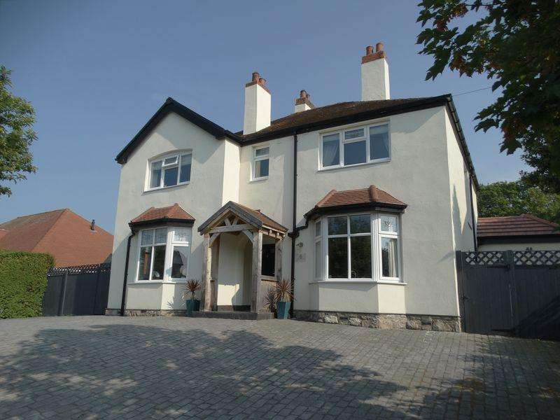 4 Bedrooms Detached House for sale in Holyrood Avenue, Old Colwyn