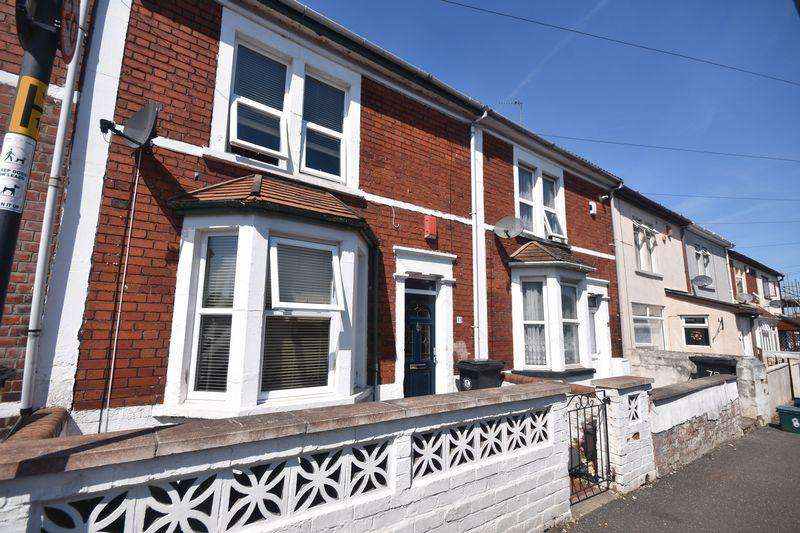 3 Bedrooms Terraced House for sale in Rodney Road, Kingswood