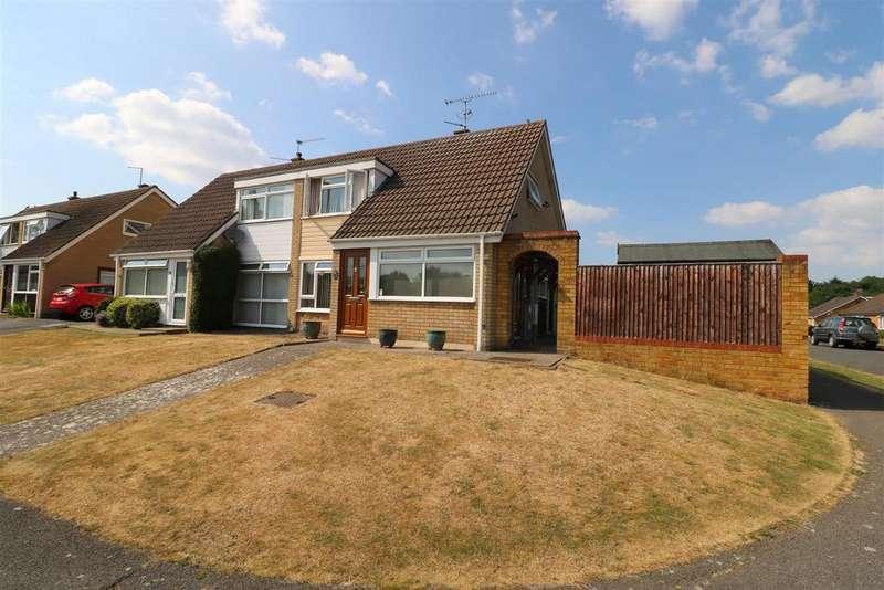 3 Bedrooms Semi Detached House for sale in Stoneham Close, Tilehurst, Reading
