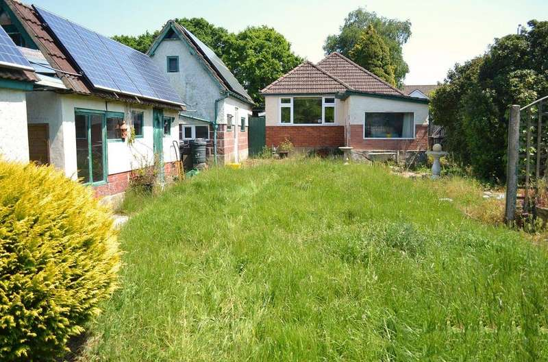 3 Bedrooms Detached Bungalow for sale in Kinson Road, Kinson, Bournemouth