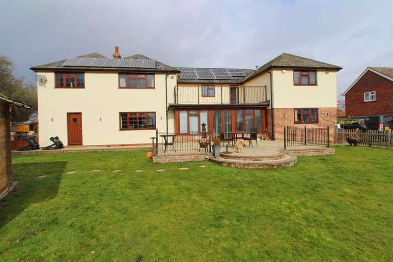 4 Bedrooms Detached House for sale in Fossetts Cottage, Fossetts Lane, Fordham, Colchester