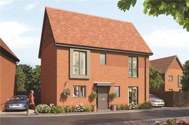 3 Bedrooms Link Detached House for sale in Old Wokingham Road, Crowthorne, Berkshire