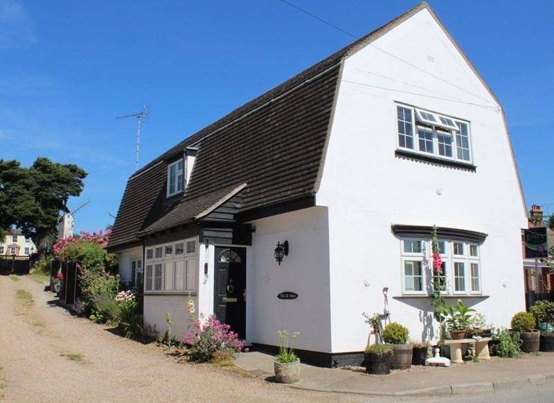 2 Bedrooms Detached House for sale in The Street, Ramsey, Harwich