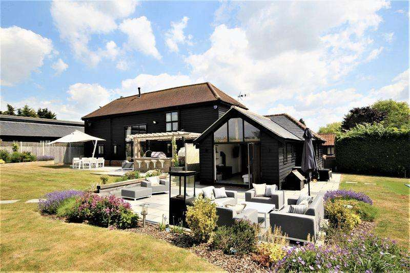4 Bedrooms Detached House for sale in Murrells Farm, London Road, Stanford Rivers, Nr Ongar