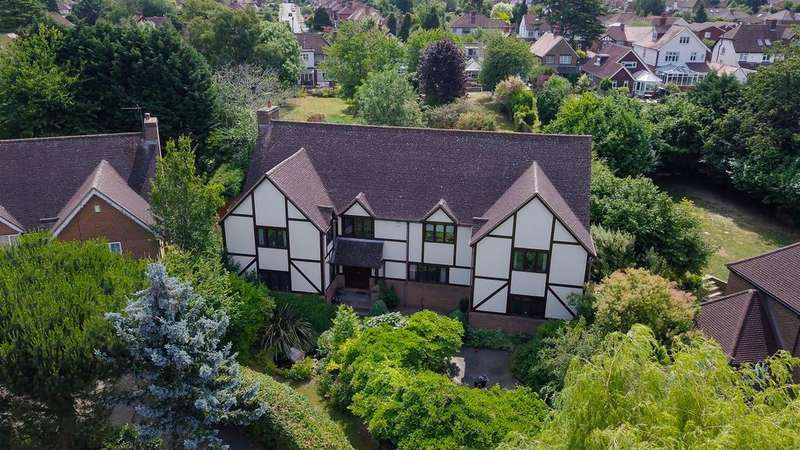 6 Bedrooms Detached House for sale in Lancet Lane, Maidstone