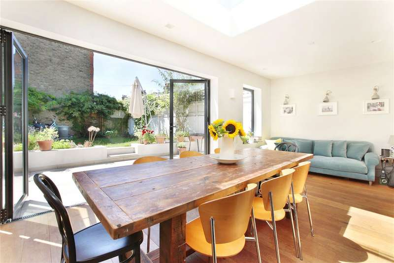 5 Bedrooms End Of Terrace House for sale in Mount Ephraim Road, Streatham Hill, London, SW16
