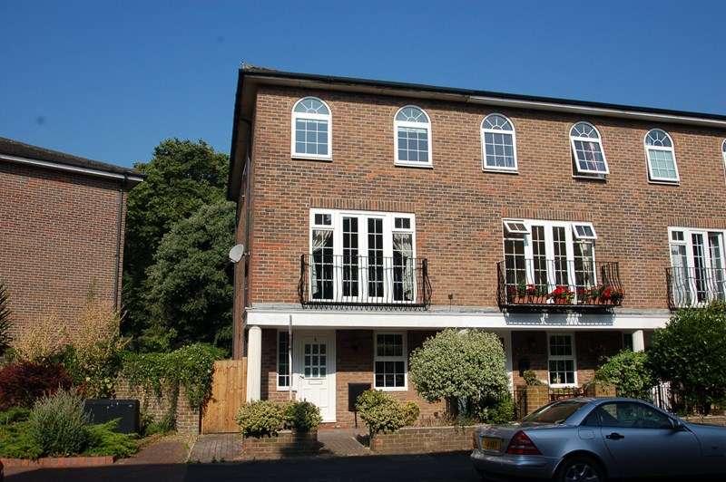 5 Bedrooms Property for sale in Queens Road, Gosport