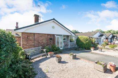 2 Bedrooms Bungalow for sale in Lon Y Gors, Pensarn, Abergele, Conwy, LL22