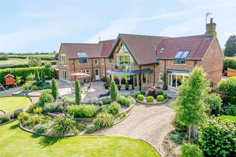 5 Bedrooms Detached House for sale in Highfield Lodge, Rainton, Near Ripon, North Yorkshire, YO7