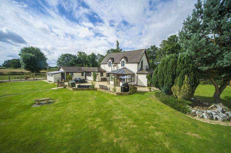 5 Bedrooms Detached House for sale in Wolverhampton Road, Shifnal, Shropshire.