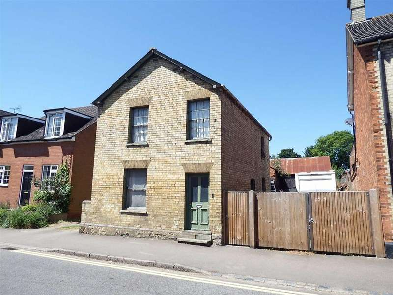 3 Bedrooms Detached House for sale in High Street, Walkern, Hertfordshire, SG2
