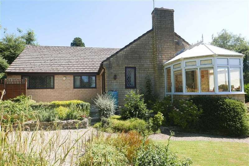 3 Bedrooms Detached Bungalow for sale in The Street, Uley, GL11