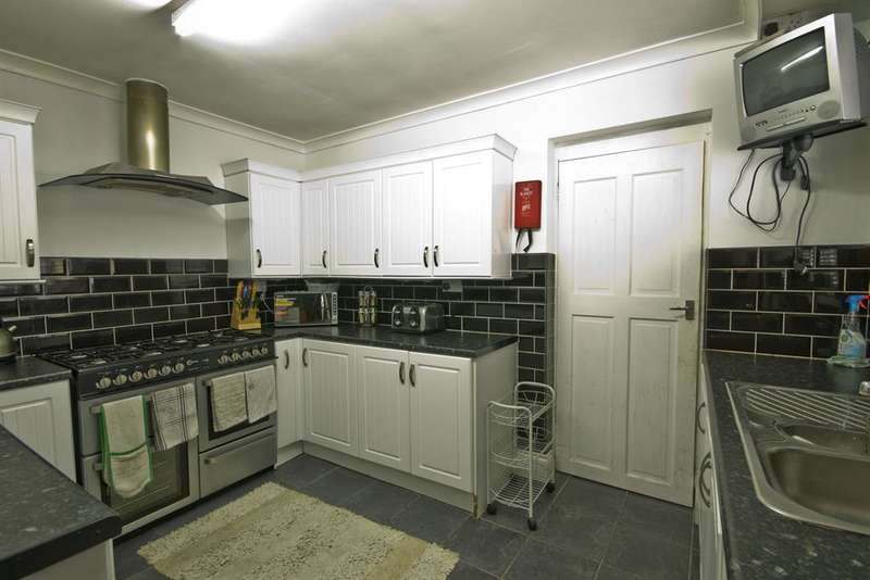 6 Bedrooms Terraced House for sale in Bathgate Terrace, Elwick Road, Hartlepool, TS24 7QW