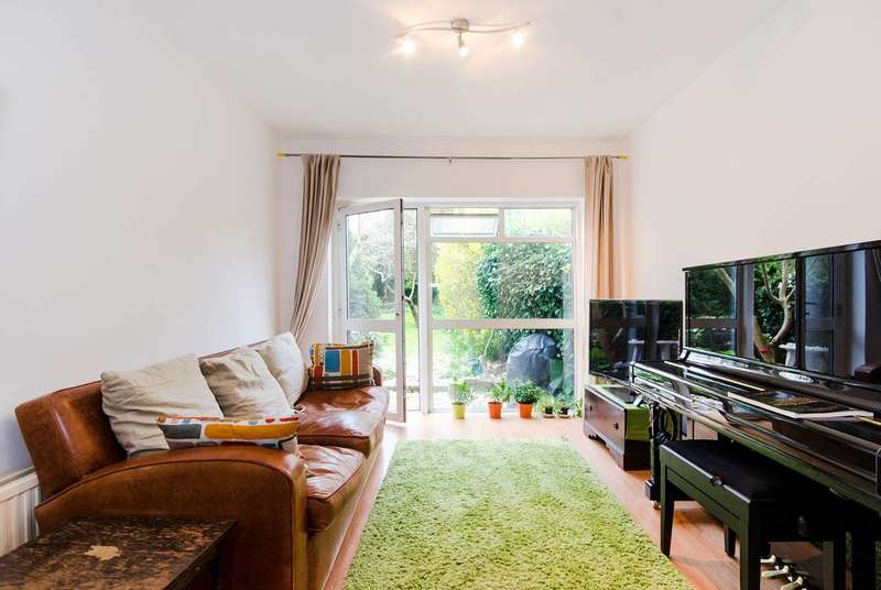 1 Bedroom Flat for sale in Eaton Rise, Ealing Broadway, W5