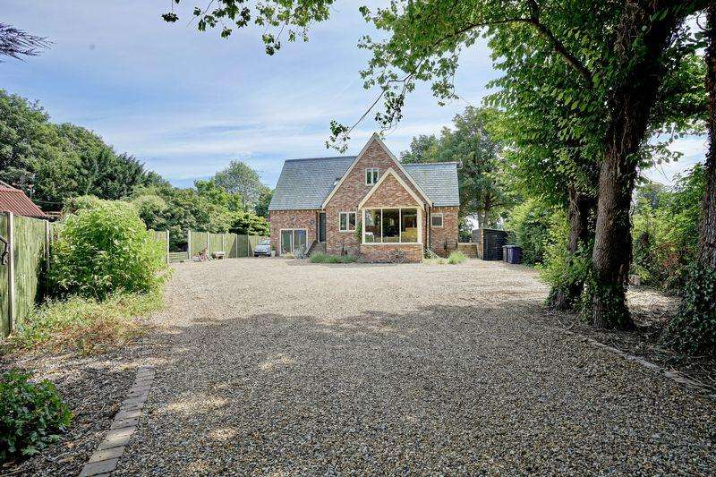 4 Bedrooms Detached House for sale in St Marys Road, Ramsey St Marys, Ramsey, Cambridgeshire.