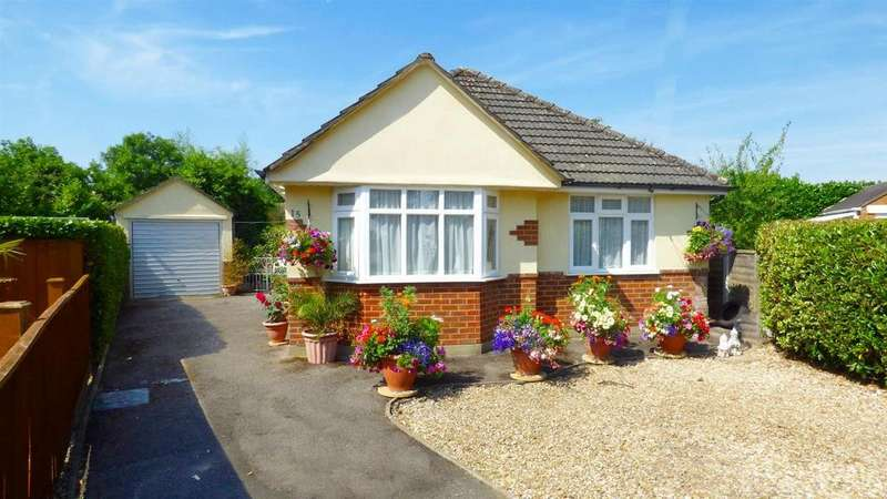 2 Bedrooms Detached Bungalow for sale in Cedar Avenue, Northbourne, Bournemouth