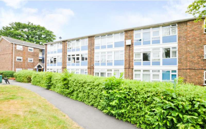 1 Bedroom Apartment Flat for sale in South Lynn Crescent RG12