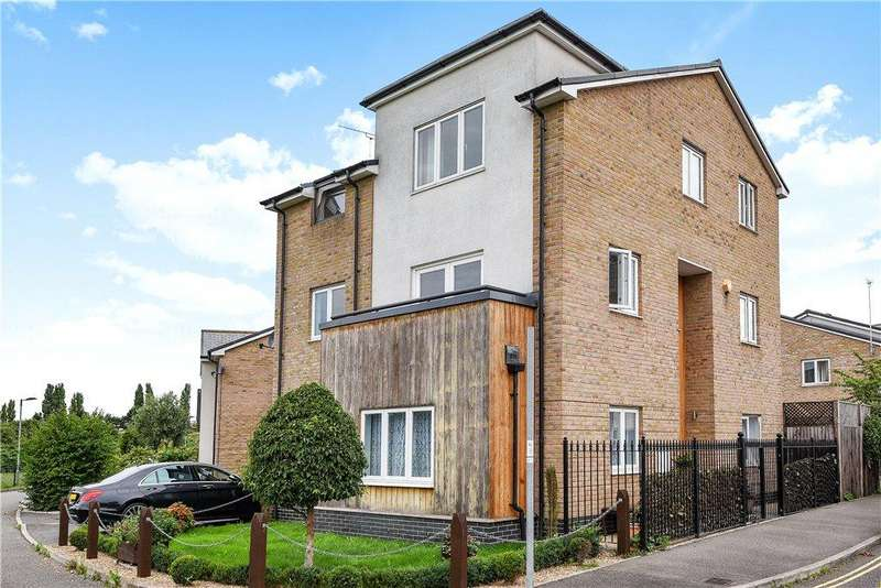 5 Bedrooms Detached House for sale in Arcon Drive, Northolt, Middlesex, UB5