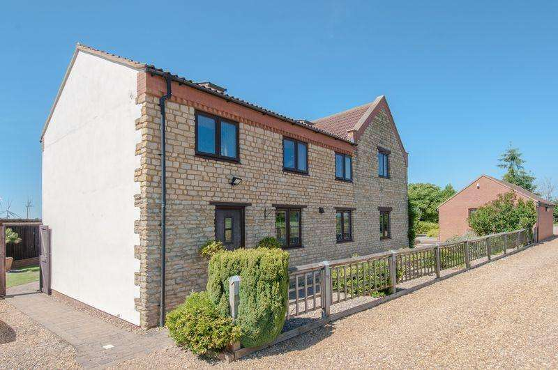 4 Bedrooms Barn Conversion Character Property for sale in Thrapston Road, Finedon
