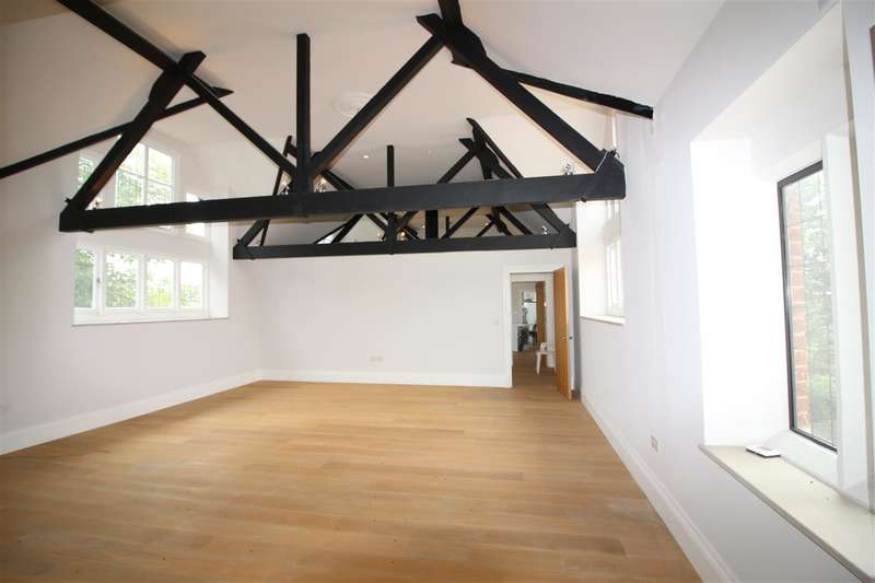 4 Bedrooms Apartment Flat for sale in The Ridgeway, London NW7