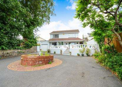 3 Bedrooms Detached House for sale in Torquay, Devon, .