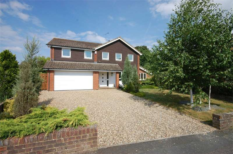 4 Bedrooms Detached House for sale in Earlswood Close, Aylesbury, Buckinghamshire