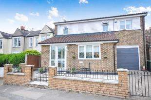 3 Bedrooms Detached House for sale in Adamsrill Road, Sydenham, London, .