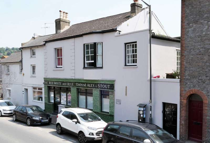 5 Bedrooms Town House for sale in Friars Walk, Lewes, BN7 2LF
