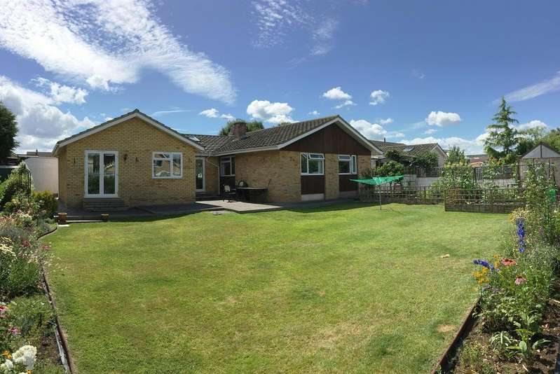 5 Bedrooms Detached Bungalow for sale in Stoneyfield Close, Easton-In-Gordano, BS20