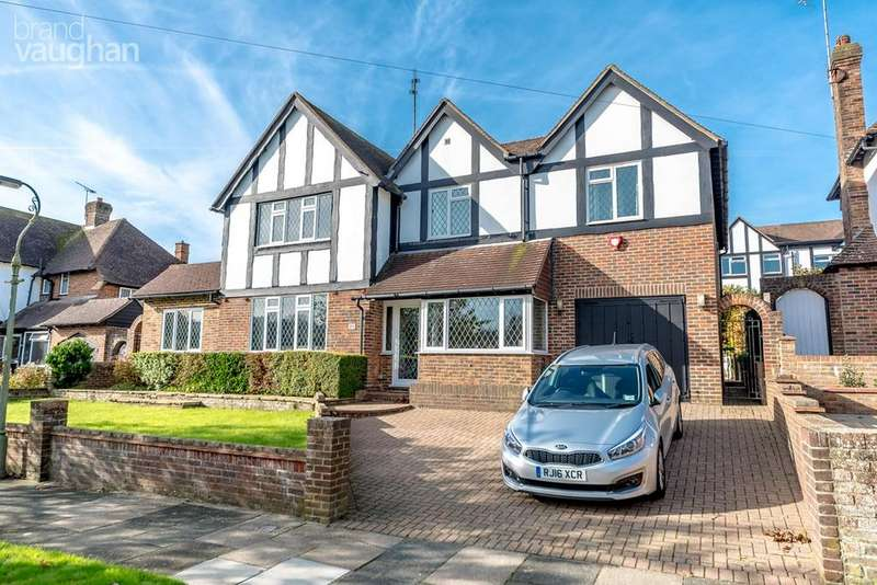 5 Bedrooms Detached House for sale in Brangwyn Way, Brighton, BN1
