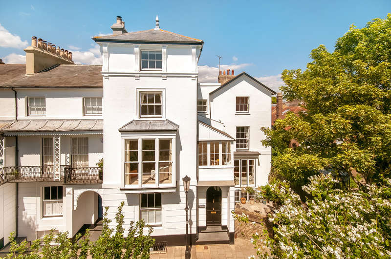 5 Bedrooms Town House for sale in Southsea, Hampshire