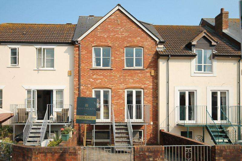 4 Bedrooms Terraced House for sale in Exmouth Marina