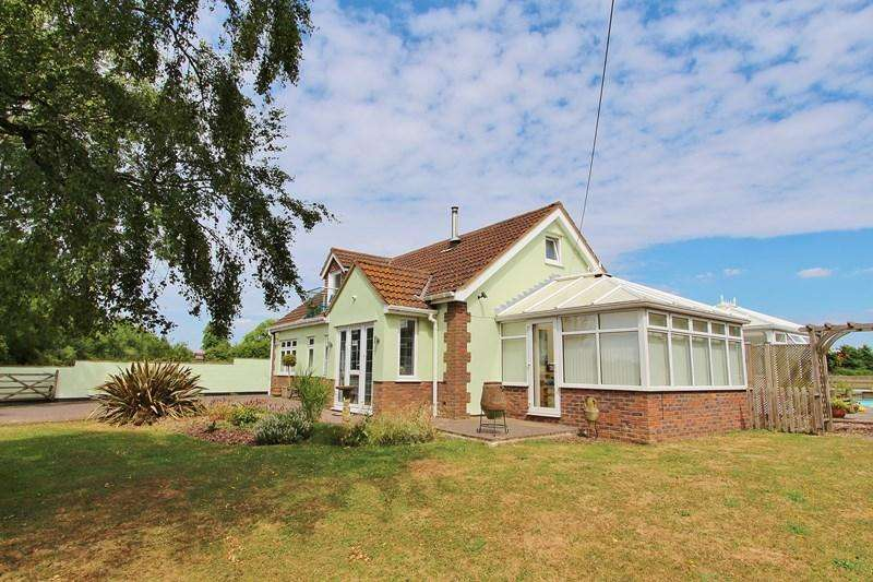 4 Bedrooms Detached Bungalow for sale in Woollard Lane, Publow, Bristol