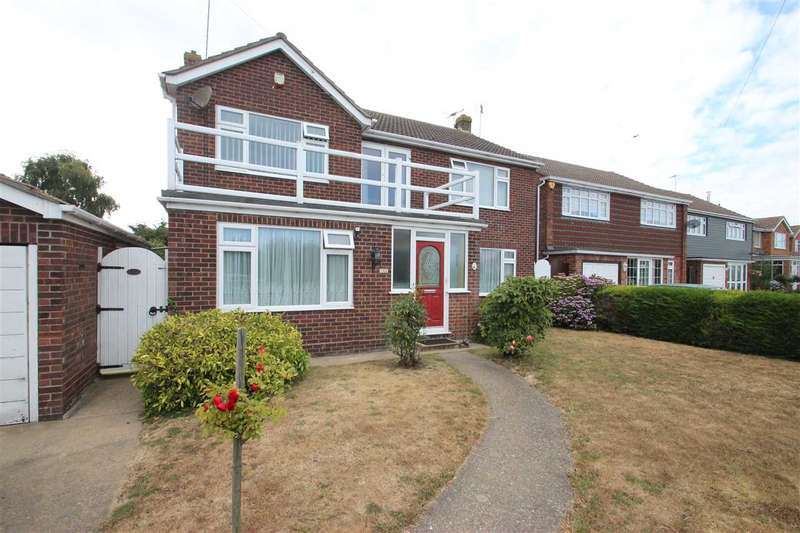 4 Bedrooms Detached House for sale in Richmond Drive, Clacton-on-Sea