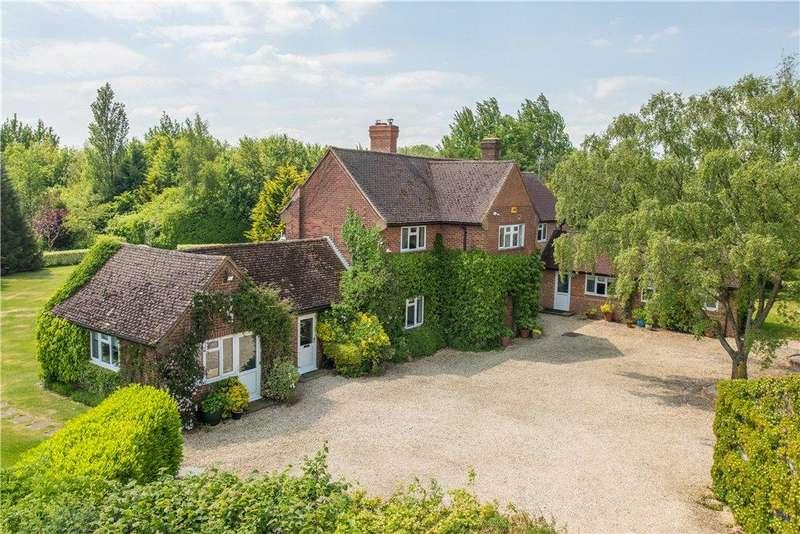6 Bedrooms Detached House for sale in Buckingham Road, Westbury, Buckinghamshire