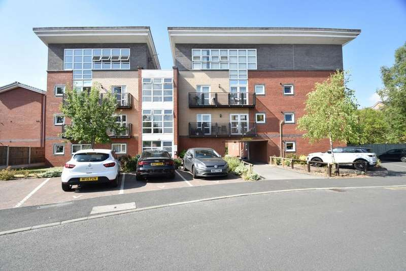 3 Bedrooms Apartment Flat for sale in Central, Wharf Road, Sale