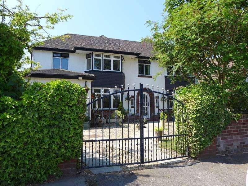 4 Bedrooms Detached House for sale in Hardhorn Road