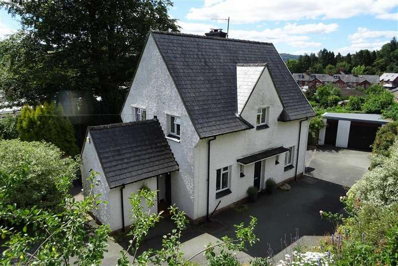 4 Bedrooms Detached House for sale in Coed Y Gelli, Woodlands Road, Llanidloes, Powys, SY18