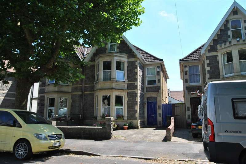 5 Bedrooms Semi Detached House for sale in Lilymead Avenue, Knowle, Bristol