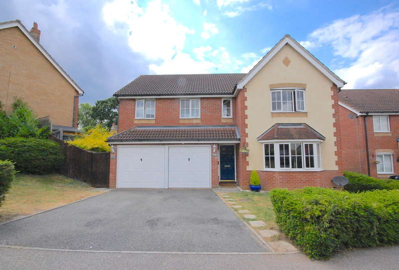 5 Bedrooms Detached House for sale in Sheene Grove, King's Park, Braintree, CM7