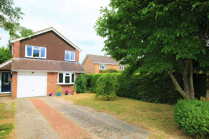 4 Bedrooms Detached House for sale in Highland Drive, Oakley, Basingstoke, RG23