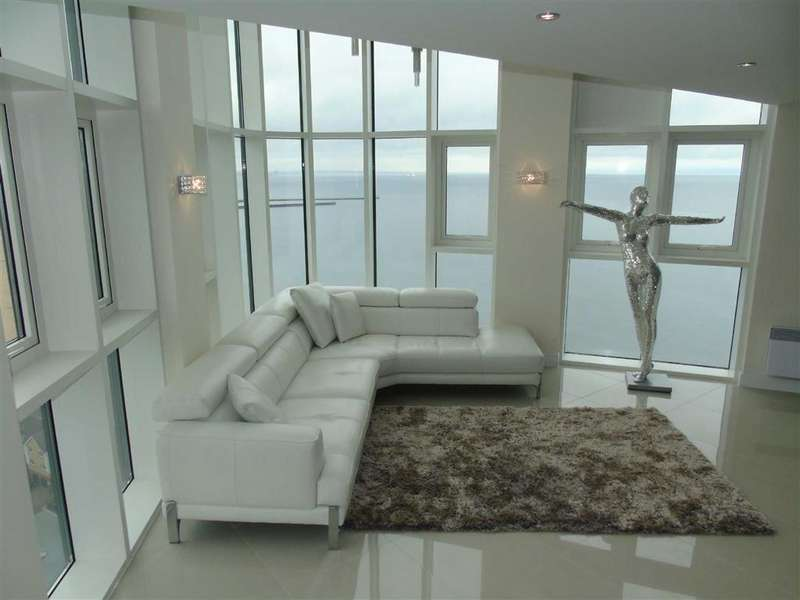 3 Bedrooms Duplex Flat for sale in Meridian Tower, Trawler Road, Swansea