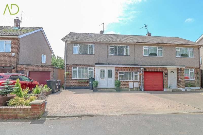 4 Bedrooms Semi Detached House for sale in Popes Row, Ware, SG12