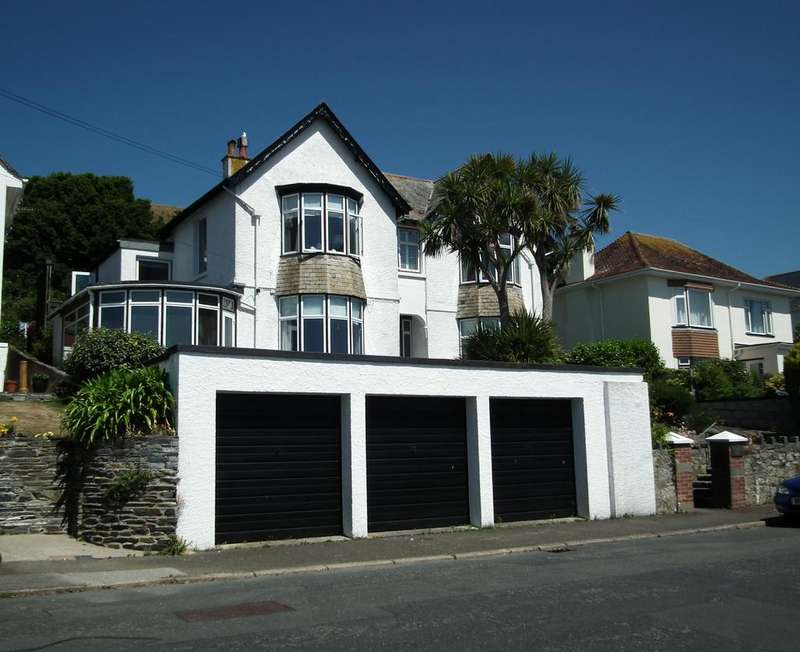 3 Bedrooms Apartment Flat for sale in Portuan Road, Hannafore, West Looe, Looe PL13